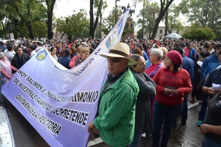 El líder del SPUM, Gaudencio Anaya Sánchez dijo que las familias de los trabajadores se encuentran en situación muy complicada por falta del pago completo de la primera quincena de octubre