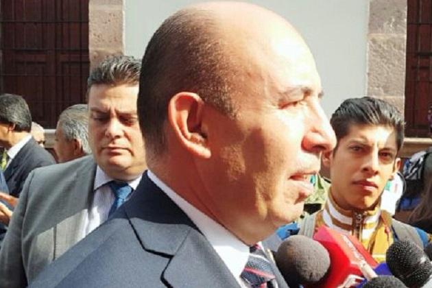 """El encargado de la política educativa en Michoacán sostuvo que para entrar a la normal de Tiripetío, """"ni hay prisa ni hay demora"""" por lo que sin establecer fechas, dijo que entrará en los próximos días"""