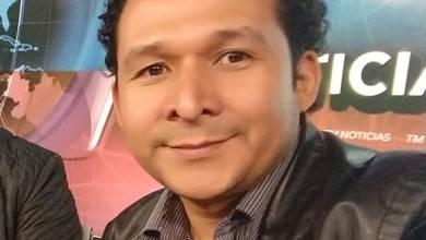 El autor, Horacio Erik Avilés Martínez, es presidente de Mexicanos Primero en Michoacán; fue director del Polifórum Digital de Morelia; y, actualmente es secretario técnico del Consejo Ciudadano de Morelia