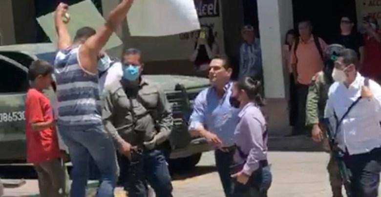 Silvano Aureoles, manifestante, Aguililla