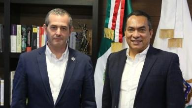 Alejandro González Cussi, Adrián López Solís