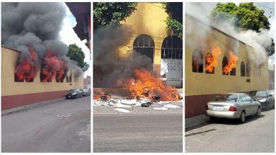 incendian oficinas, CNTE, Morelia