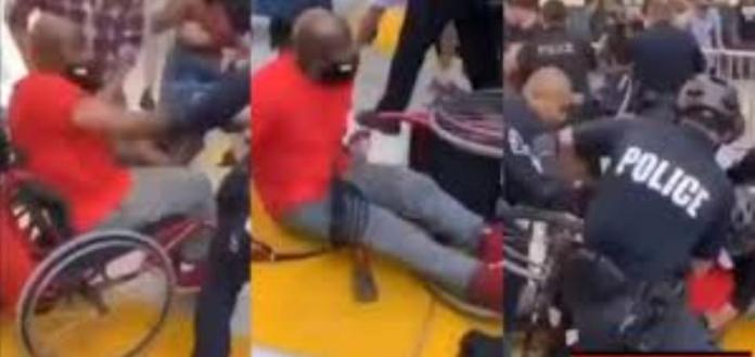 Police Officers beating up Blackman