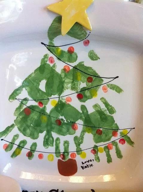 árvore de natal pintada com as mãos