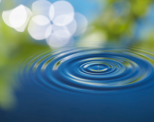 a picture of a ripple in the water
