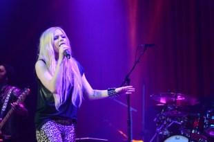Avril Lavigne 04