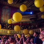 Crowd Balloons 1 (1 of 1)