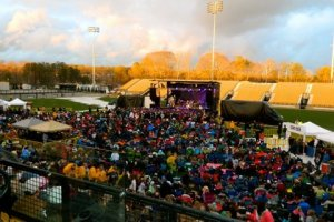 Live Review & Picture Book: Phillip Phillips at Fifth Third Bank Stadium at KSU, 3/24
