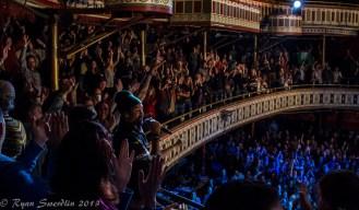 Franti Crowd Balcony 1 (1 of 1)