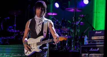 Jeff Beck (1 of 1)-3