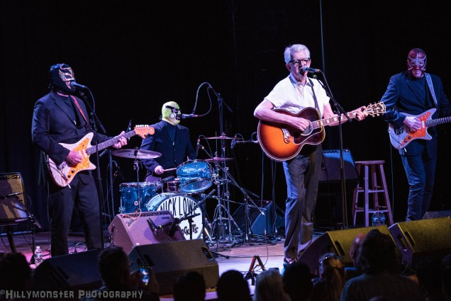 Nick Lowe and Los Straitjackets
