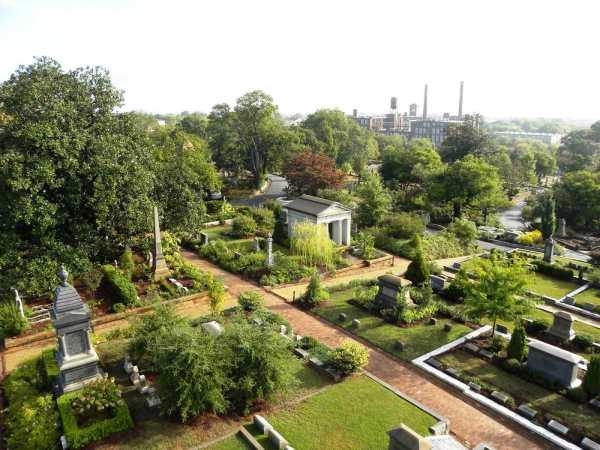 Oakland Cemetery in Atlanta