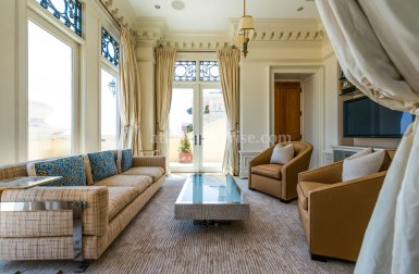 2500 Peachtree Penthouse 902N Family Room
