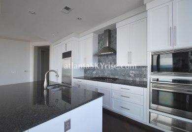 Sovereign 2803 Kitchen