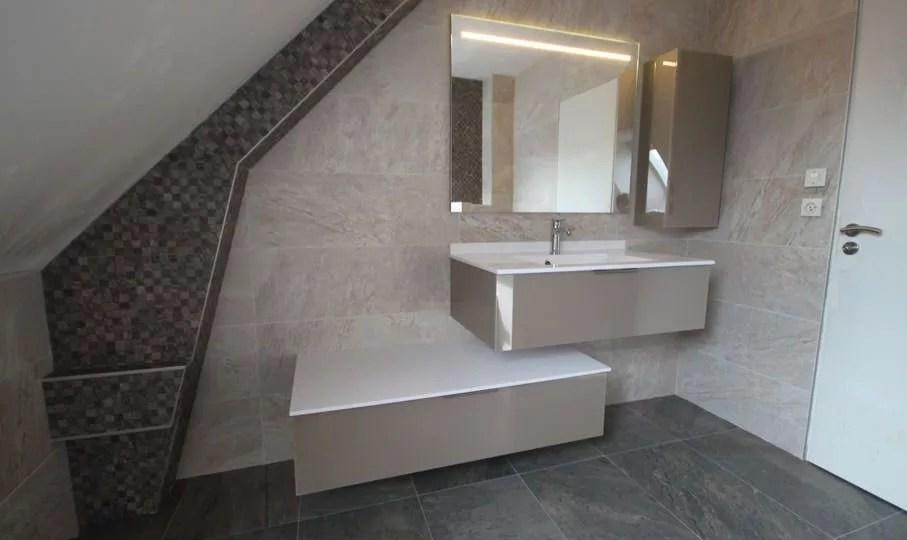 salle de bain hautes en couleurs