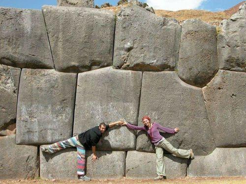 Struktur batuan bangunan kuno dr berbagai negara; …