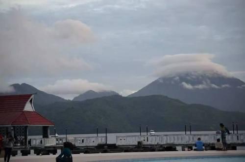 Gunung Tidore, Maluku dr kejauhan Piramida bgt…