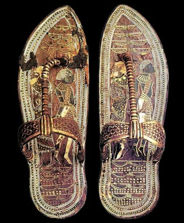 Sandal Firaun…