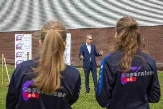 Directeur SOHH Jan Heijboer heet aanwezigen welkom.