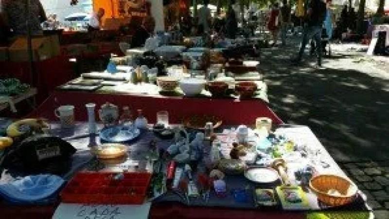 feira-da-ladra-table