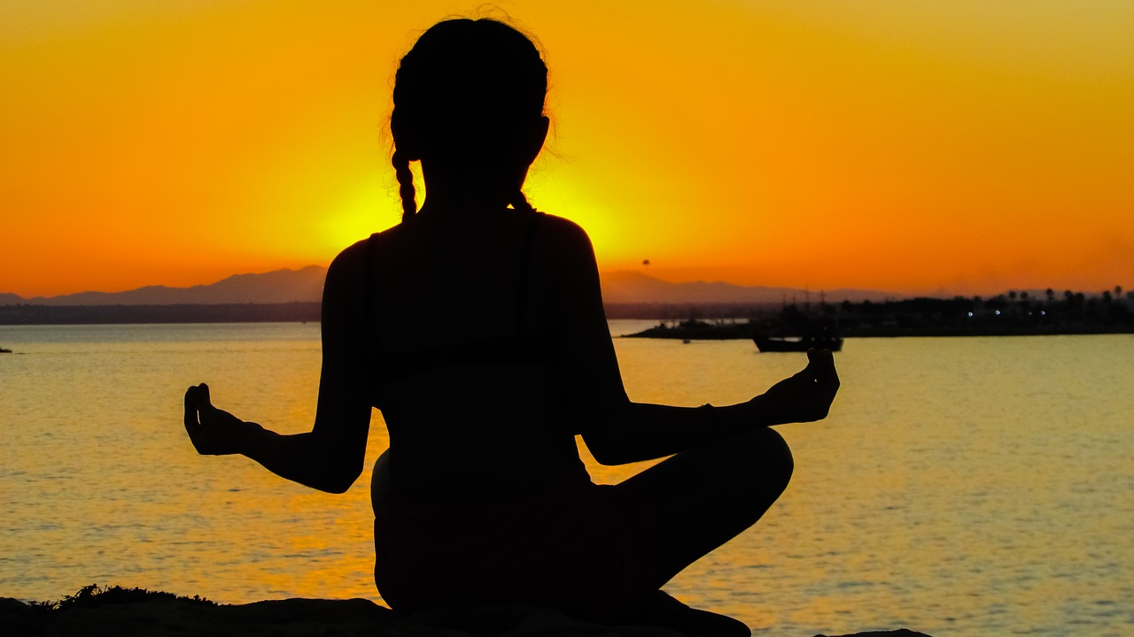 10 Best Spiritual Retreats in India To Visit For Peace & Stress Reduction.