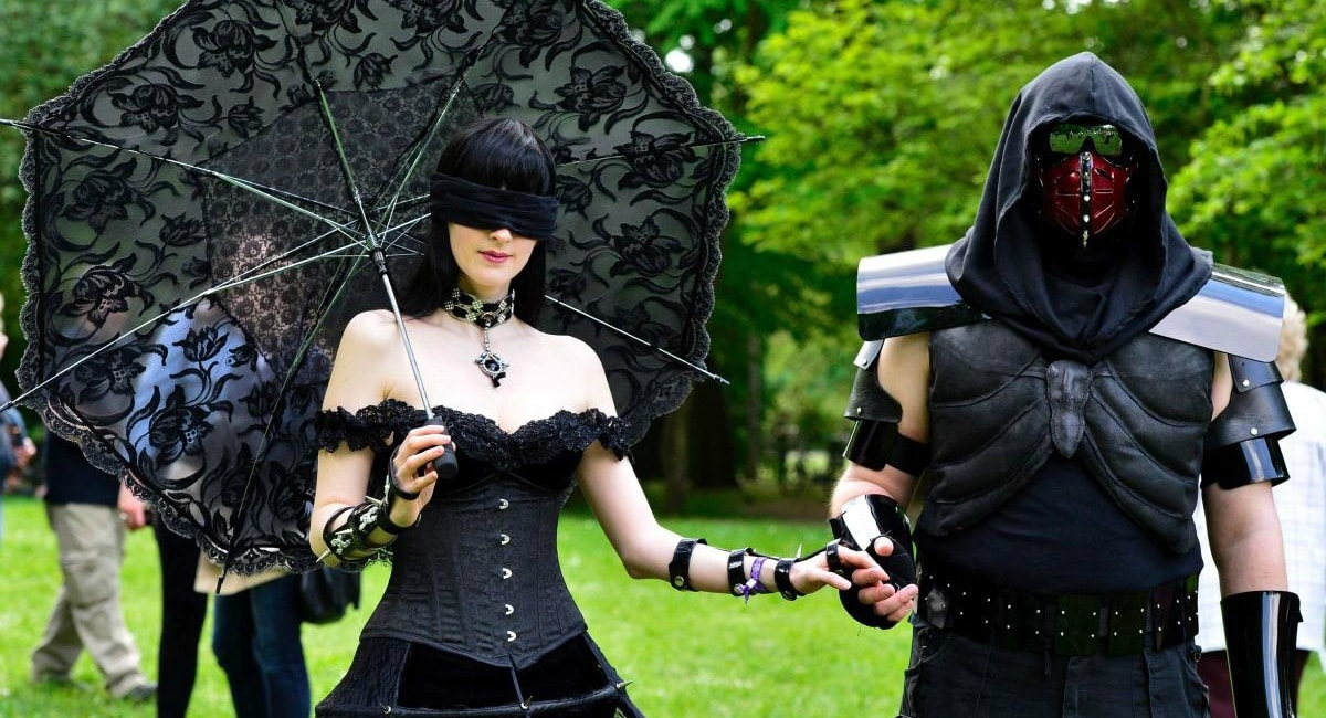 Participants of the Wave-Gotik-Treffen certainly dressed to the festival.