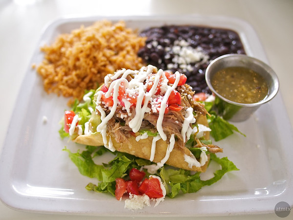 Zocalo Cafe, Avocado stuffed with Pork Carnitas