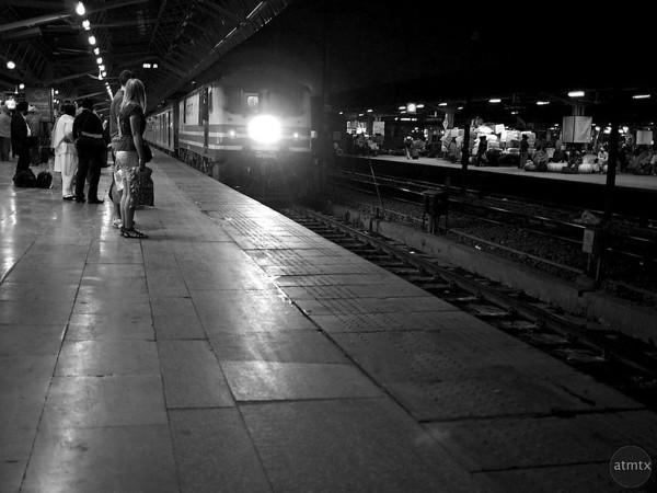 Shatabdi Express Arrives, New Delhi Train Station - Delhi, India