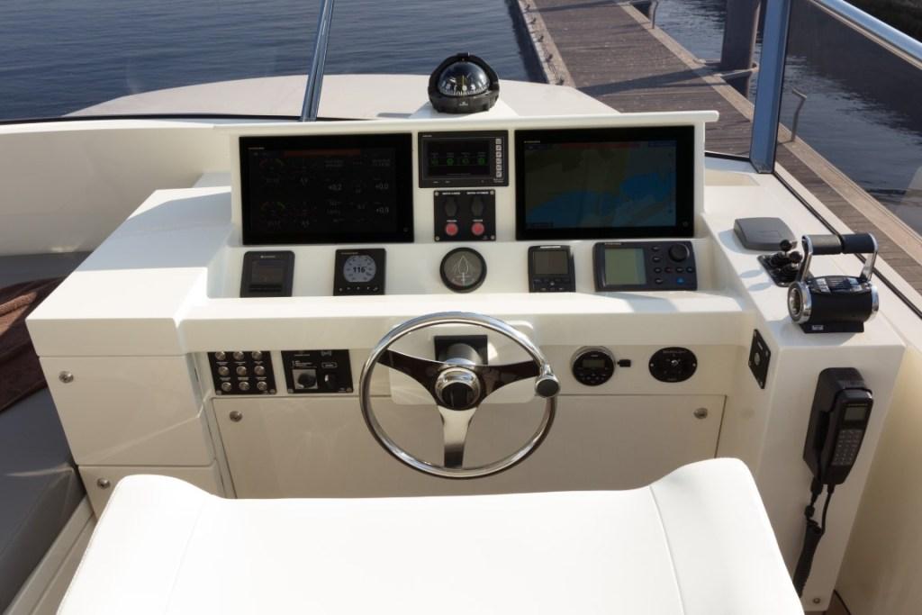 Atlantis-Xcape-Yacht-16