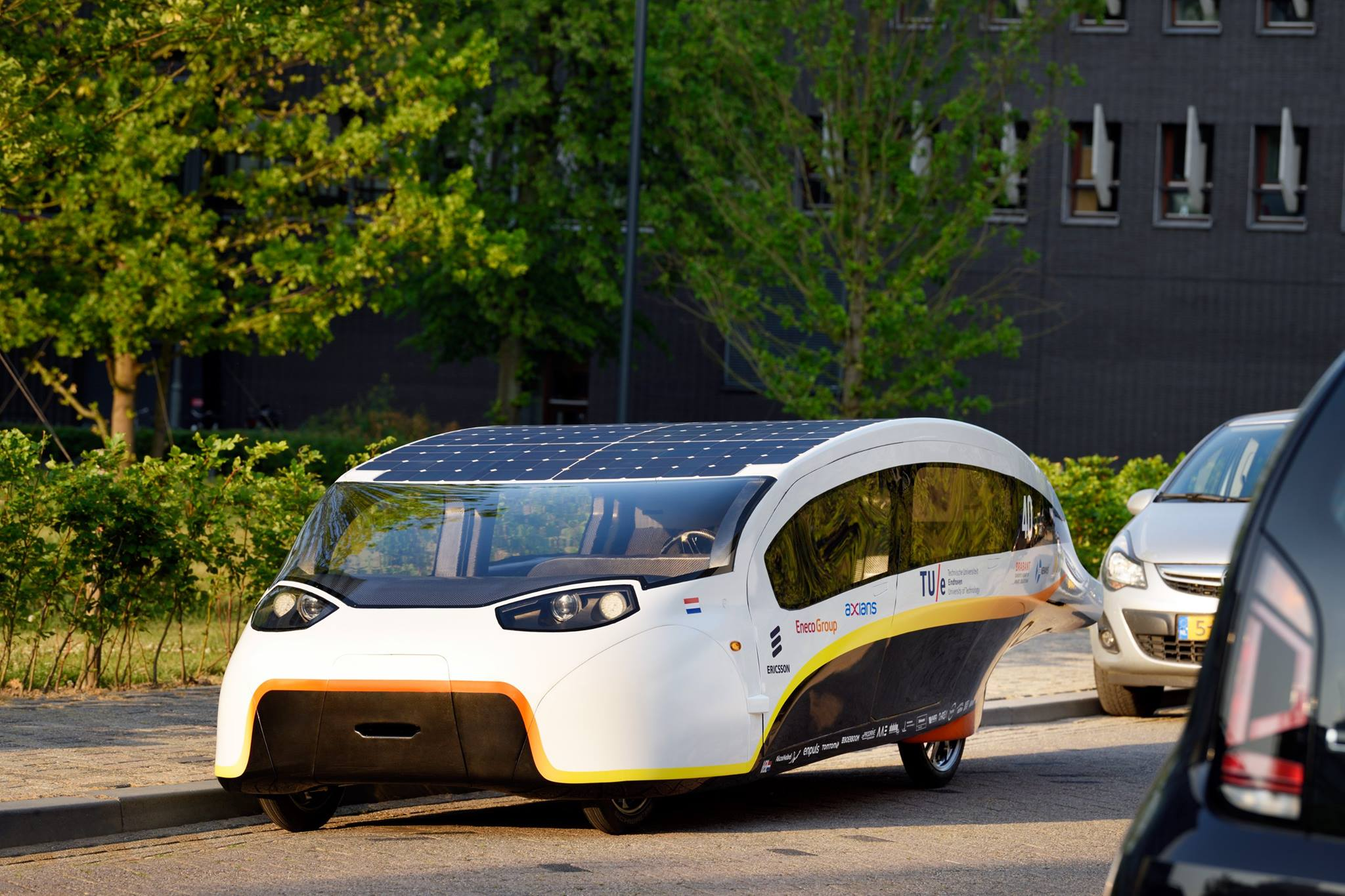 The Solar Powered Family Car Stella Vie A Closer Look At Wiring In Cells Might Stop Reflecting Light One Up What Kind Of Have Been Used How Much Power Can They Deliver And Does Tu E Contribute To Development Affordable Energy