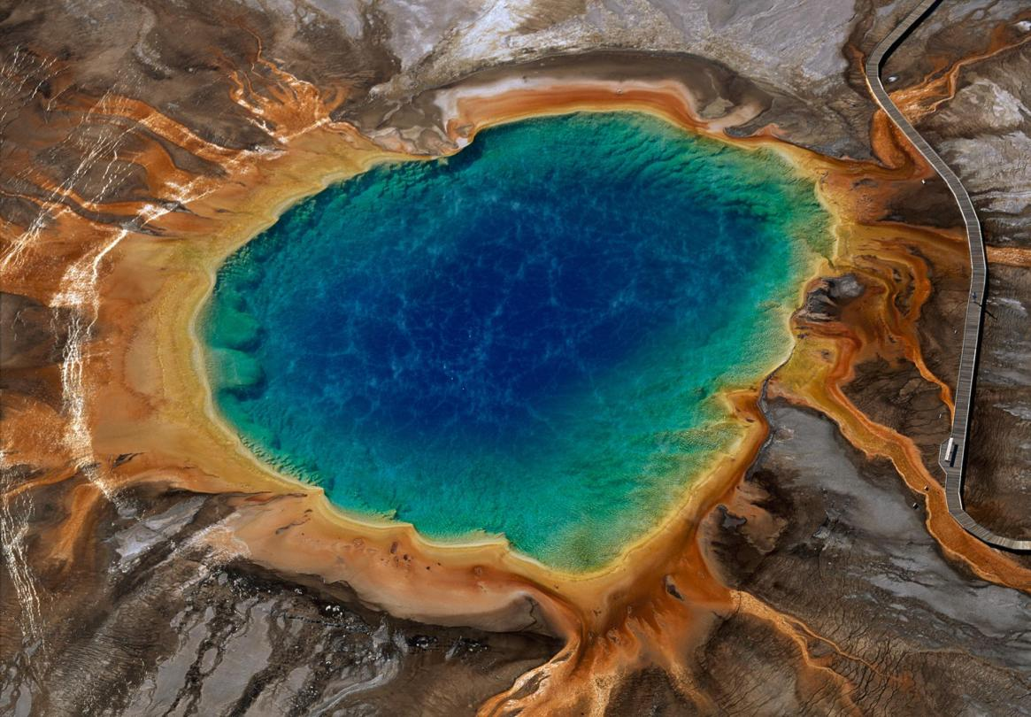 01yellowstone10facts.ngsversion.1449271803207.adapt.1900.1