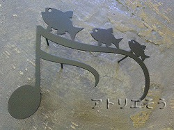 38:音符+魚3匹飾り