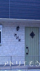 302:猫玄関飾り②設置写真