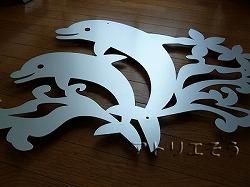 イルカとプルメリア妻飾り。ロートアイアン風錆に強いステンレス製妻飾り。