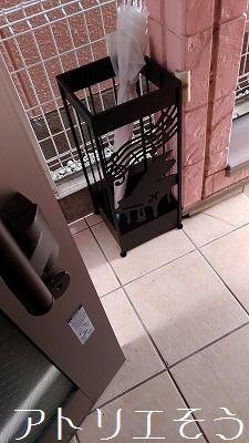 グランドピアノと音符の傘立ての設置写真