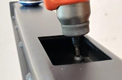 Omnidesk Pro - Frame legs - Not enough allowance for power tool