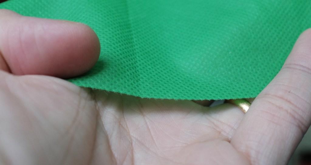 Using a green non-woven fabric as the green screen