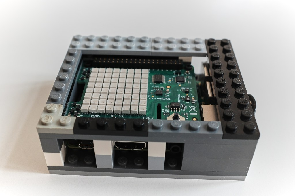Lego case for the RPi - Completed assembly