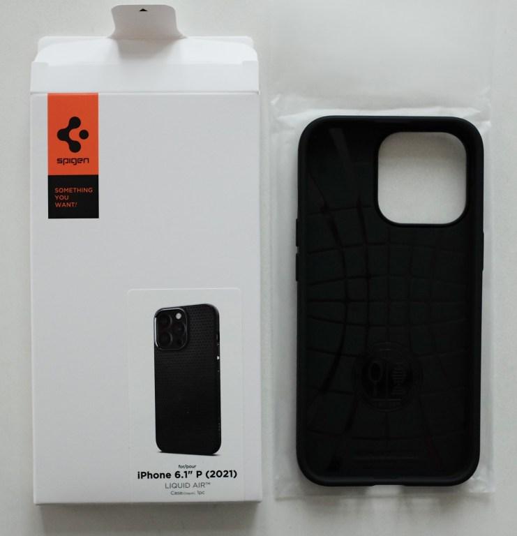 Spigen Liquid Air iPhone 13 Pro - unboxed