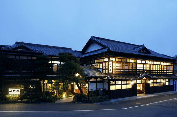 「竹野屋旅館」外観