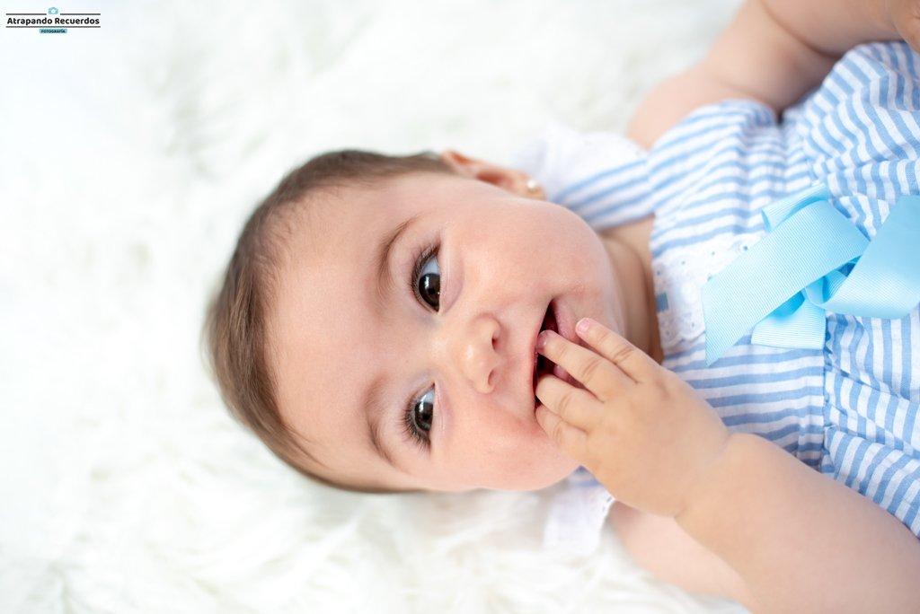 Fotos de bebes 6 meses en estudio en Bilbao