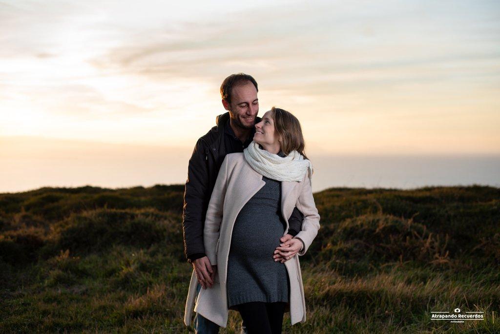 reportaje embarazo pareja playa bizkaia
