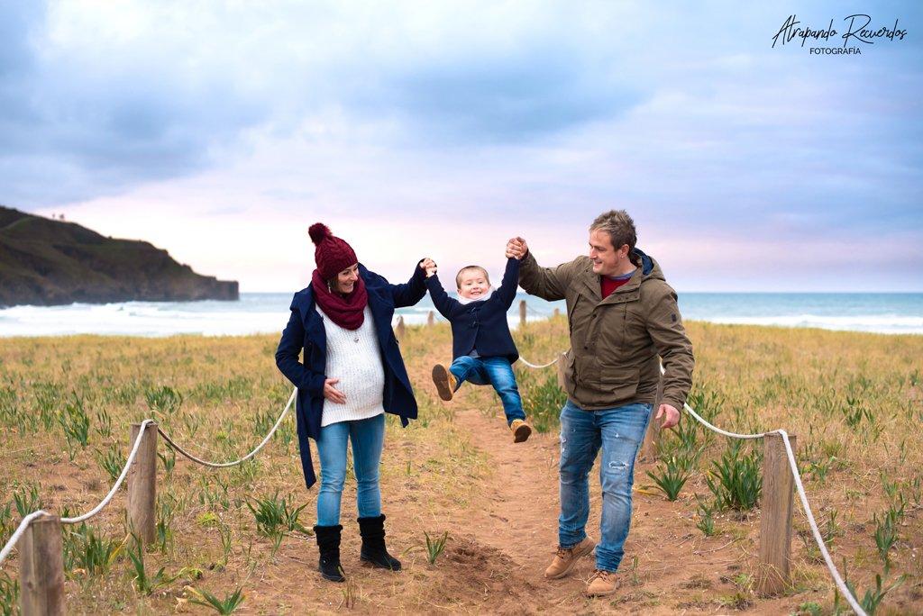 Fotos embarazo familia playa Bilbao