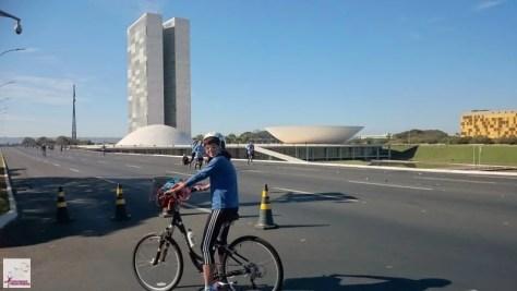 Céu azul de Brasília, Congresso Nacional ao fundo