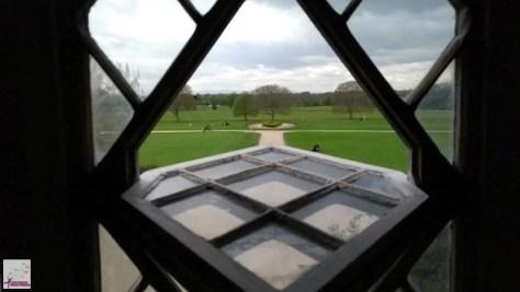 Vista de uma das janelas do castelo de Malahide