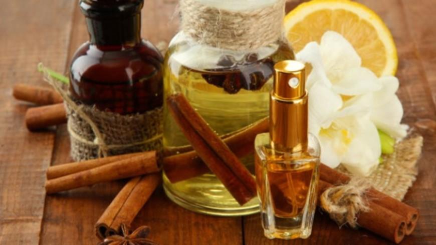 Hukum Memakai Parfum Beralkohol