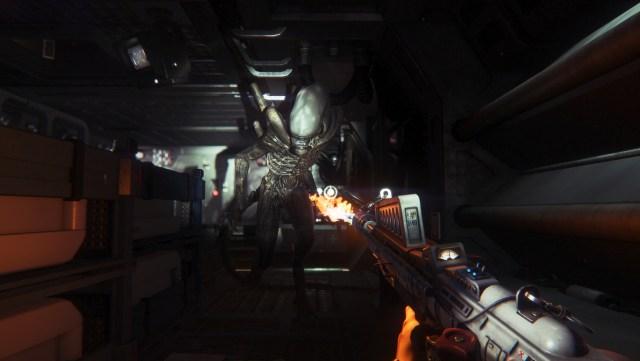 Il lanciafiamme può essere utile anche per tenere a distanza l'Alien