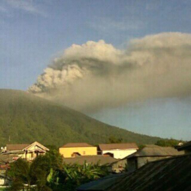 vulcano-Gamalama-indonesia11