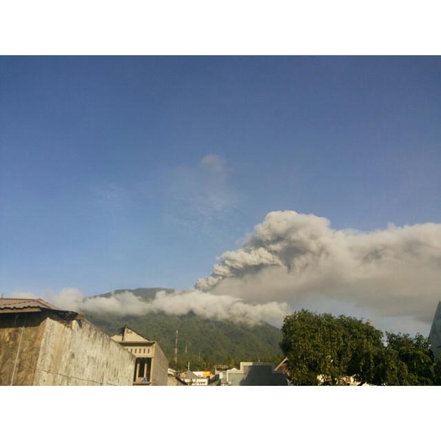 vulcano-Gamalama-indonesia2