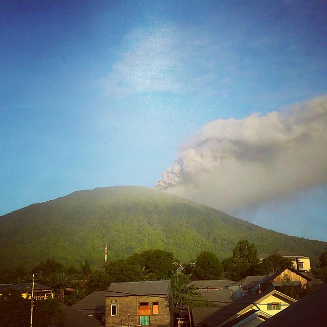 vulcano-Gamalama-indonesia5